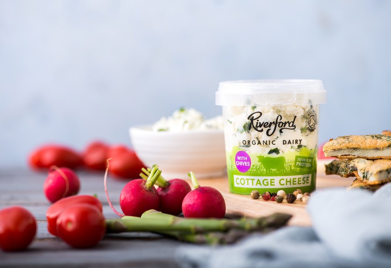 A picture of Organic Cottage Cheese with Chives from Riverford Organic Dairy